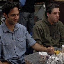Amir Arison e Gary Wilmes in una scena del film I Hate Valentine's Day