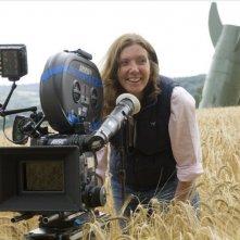 La regista Susanna White sul set del film Tata Matilda e il grande botto