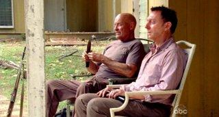 Terry O'Quinn e Michael Emerson in una scena di Per cosa sono morti dalla sesta stagione di Lost