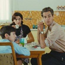 Saleh Bakri e Samar Qudha Tanus nel film The Time That Remains