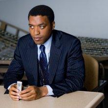 Peabody (Chiwetel Ejiofor) in una scena del film Salt