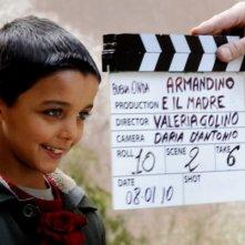 Il piccolo Denis Nikolic sul set del corto Armandino e il Madre