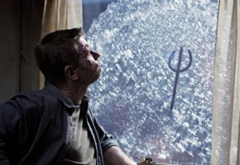 Supernatural: Mark Pellegrino in una scena dell'episodio Swan Song