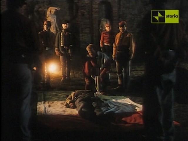 Antonio Orfano Disteso Sul Tricolore Con Franco Nero E Antonio Marsina In Garibaldi The General Regia Di Luigi Magni 163336