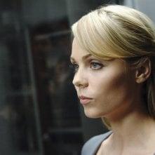 V: Laura Vandervoort nell'episodio Fruition