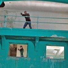 Una sequenza d'azione con LL Cool J e Daniela Ruah nell'episodio Callen, G di NCIS: Los Angeles