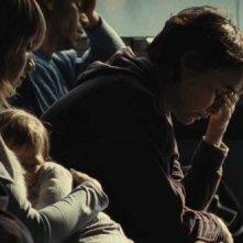Alexandre Golntcharov e Anne Coesens sono Ivan e la madre Tania nel film Illegal