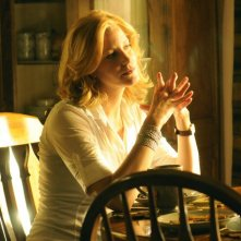 Breaking Bad: Anna Gunn in una scena dell'episodio Green Light