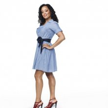 Essence Atkins in una foto promozionale della serie Are We There Yet?