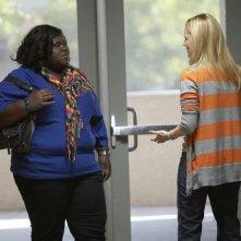 Gabourey Sidibe e Laura Linney nel pilot della serie The Big C