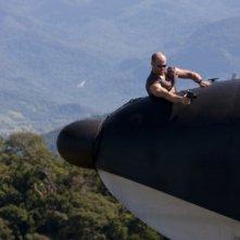 Jason Statham in una scena spettacolare di The Expendables