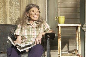 Phyllis Somerville in una scena del pilot della serie The Big C