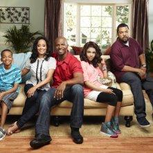 Una foto promozionale del cast della serie Are We There Yet?