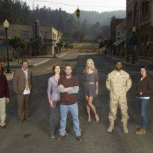 Una foto promozionale del cast della serie Persons Unknown