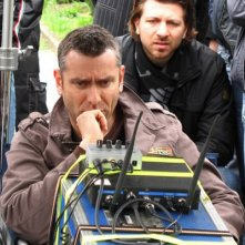 Il regista Max Leonida sul set del film Backward