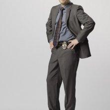 Carlos Bernard è il sergente Mack in una immagine promozionale della serie Scoundrels
