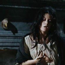 Fabienne Dali colpita a morte in una scena dell'horror Operazione paura