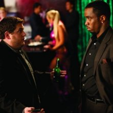 Jonah Hill e Sean Combs in una scena della commedia Get Him to the Greek