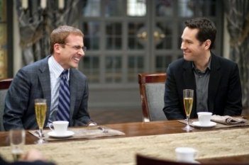 Steve Carell e Paul Rudd in una divertente scena di Dinner for Schmucks