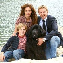 Gioia Spaziani, Kaspar Kapparoni e Brando Pacitto sul set del film televisivo Al di là del lago