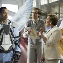Dawyne Johnson, Stephen Merchant e Julie Andrews in una scena di The Tooth Fairy