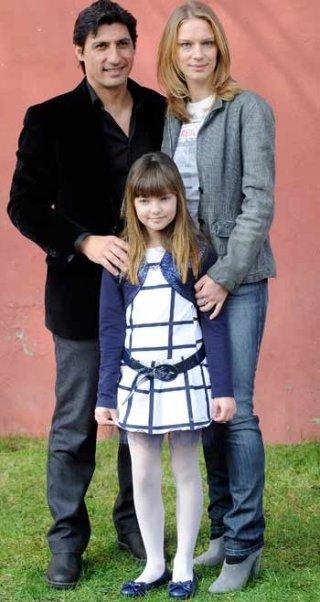 Emilio Solfrizzi, Antonia Liskova e Laura Calgani durante la presentazione della serie televisiva Tutti pazzi per amore