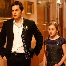 Tom Riley con Sinead Maguire in una scena del film Indovina chi sposa Sally