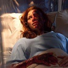 Tess (Cassidy Freeman) gravemente ferita nell'episodio Salvation di Smallville
