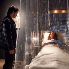 Tom Welling accanto a Cassidy Freeman in una scena dell'episodio Salvation di Smallville