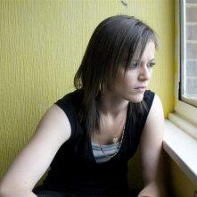 Katie Jarvis in una scena del film Fish Tank (2009)