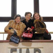 Le ragazze dello swing: Andrea Osvart, Lotte Verbeek ed Elise Schaap in una foto promozionale della miniserie