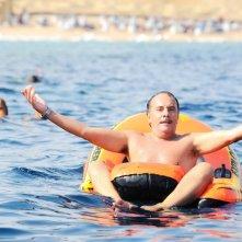 Maurizio Casagrande in una scena della commedia Sharm El Sheikh - Un'estate indimenticabile