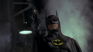 Michael Keaton è il supereroe in una scena del film Batman (1989)