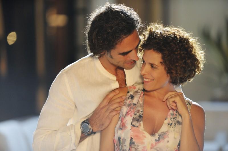 Sergio Muniz E Cecilia Dazzi In Una Scena Della Commedia Sharm El Sheikh Un Estate Indimenticabile 165577