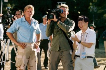 Thomas Haden Church, Bradley Cooper e Ken Jeong in una scena di All About Steve