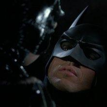 Michael Keaton e Michelle Pfeiffer (di spalle) in una scena del film Batman - il ritorno