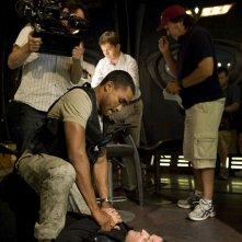 Jamil Walker Smith e Justin Louis provano una scena dell'episodio Space di Stargate Universe