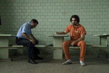 Andy Garcia e Steven Strait nei ruoli di padre e figlio nella commedia City Island
