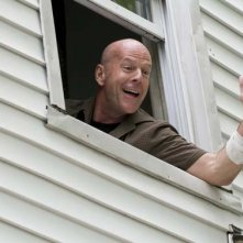 Bruce Willis in una scena di Cop Out