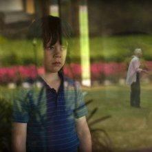 Nicholas McAnulty in una scena di The Boys Are Back