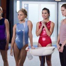 Ayla Kell, Cassie Scerbo, Josie Loren e Chelsea Hobbs nell'episodio Friends Close, Enemies Closer di Make it or Break it