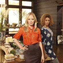 Chandra West e Victoria Gabrielle Platt in una foto promozionale della serie The Gates