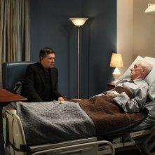 Gabriel Byrne e John Mahoney in una scena della serie TV In Treatment
