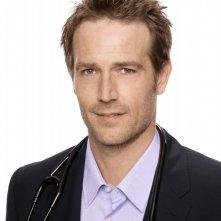 Michael Vartan in una immagine promozionale della stagione 2 di Hawthorne