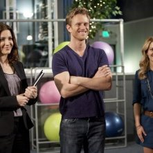 Michelle Clunie, Neil Jackson e Candace Cameron nell'episodio Friends Close, Enemies Closer di Make it or Break it