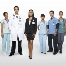 Una foto promozionale del cast della stagione 2 di Hawthorne
