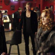 Zeljko Ivanek, Alexander Skarsgard ed Evan Rachel Wood nell'episodio Bad Blood di True Blood