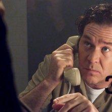 Timothy Hutton in una scena dell'episodio The Jailhouse Job di Leverage