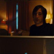 Adrien Brody nei panni dello scienziato Clive Nicoli nello sci-fi Splice