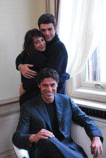 Luca Argentero, Alessandro Gassman e Valentina Lodovini nel film La donna della mia vita